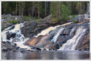 Водопад Рюмякоски на плотине ГЭС