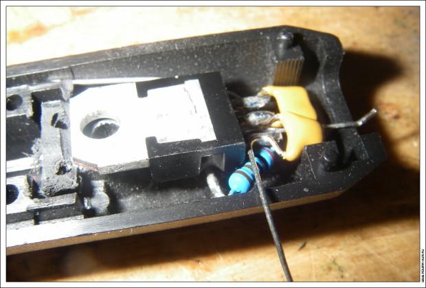 Автомобильная зарядка Baofeng UV-5R со стабилизатором